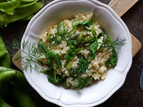 Ryż z bobem i młodym szpinakiem - Ryż ma zielono z bobem i młodym szpinakiem