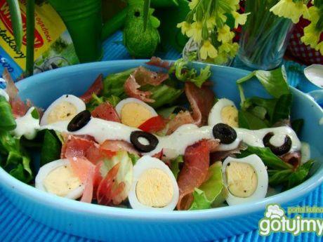 Sałatka z jajkami przepiórczymi