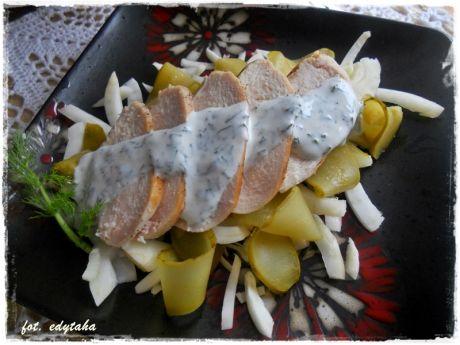 Sałatka z kurczaka, fenkuła i ogórka