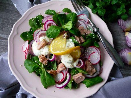 Sałatka z roszponką, tuńczykiem i jogurtem