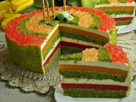 Szpinakowy tort z truskawkami