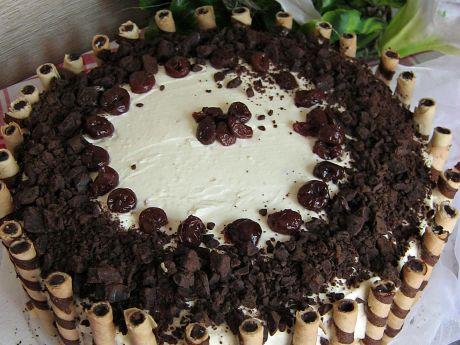 Tort czekoladowo - wiśniowy - Tort czekoladowo - wiśniowy - mocno alkoholowy