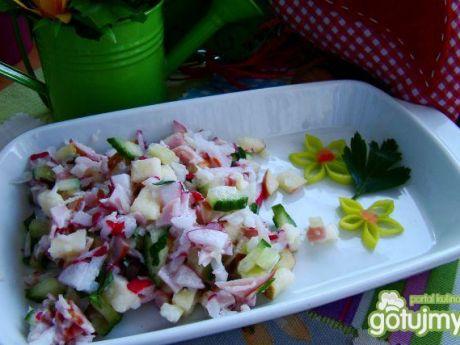 Wiosenna sałatka z rzodkiewką
