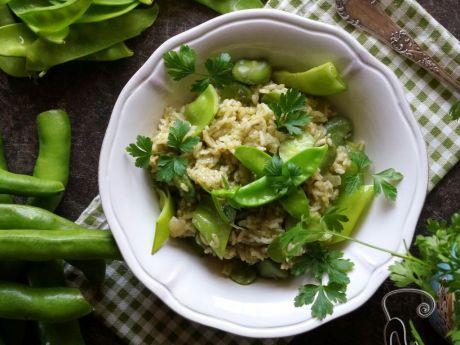 Zielony ryż z bobem i groszkiem cukrowym -