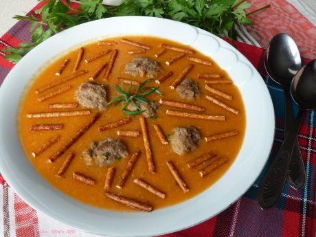 Zupa krem z kukurydzą i wołowymi klopsikami