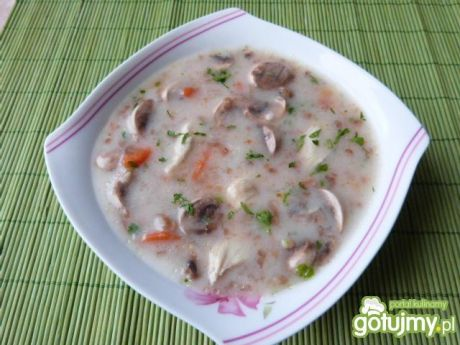 Zupa z pieczarkami i kaszą gryczaną