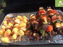 Szaszłyki z kurczaka i łososia z grilla