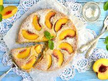 Smaczne desery z brzoskwiniami
