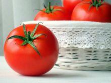 Jak szybko obrać pomidora ze skórki?
