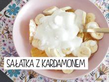 Owocowa sałatka z kardamonem