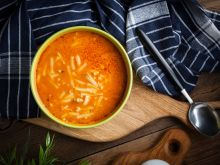 Pan Pomidor wlazł na tyczkę… czyli wierszyki i zupa dla chorych dzieci