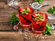 Jak zrobić wino truskawkowe?
