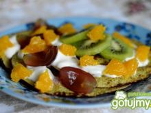 Amarantusowe naleśniki z owocami
