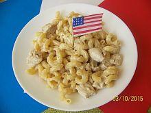 Amerykański makaron z serem i kurczakiem