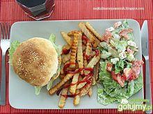 Amerykański obiad hamburgery i frytki