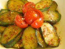 Aromatyczna cukinia z pomidorkami