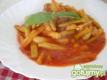 Aromatyczna fasolka w pomidorach