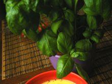 Aromatyczny krem z chipsami prosciutto