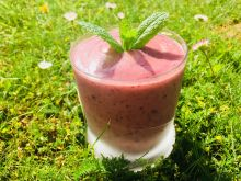 Awokado smoothie czereśnia i borówka amerykańska