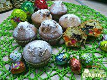 Babeczki czekoladowo ananasowo migdałowe