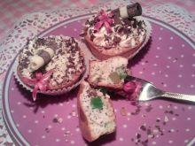 Babeczki z białek, z makiem i kandyzowanymi owocam