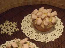 Babeczki z cynamonowym kremem i piankami