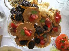 Babeczki z galaretka i owocami