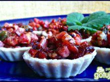 Babeczki z kiełbasą suszonymi pomidorami