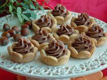 Babeczki z kremem czekoladowo-orzechowym