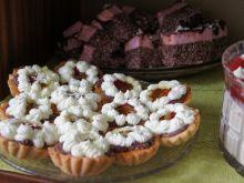 Babeczki z kremem kakaowym, cytrynowym z galaretką
