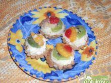 Babeczki z masa i owocami