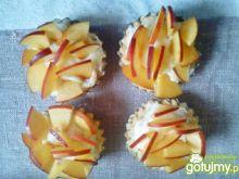 Babeczki z nektarynkami