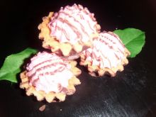 Babeczki z pianką wiśniową