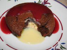 Babeczki z z wyplywajaca  czekolada