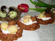 Babeczkowe gniazdeczka z jajkami