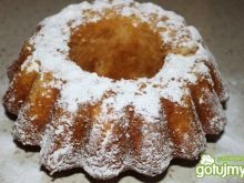 Babka cytrynowa  z cukrem pudrem