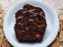 Babka kakaowa z gruszką i orzechami