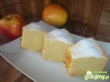 Babka majonezowa z jabłkiem
