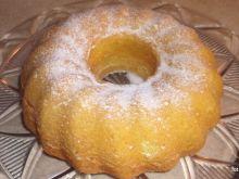 Babka piaskowa z cukrem pudrem