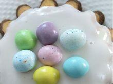Babka wielkanocna z jajeczkami