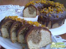 Babka z polewą czekoladową