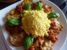 Bakłażan w pomidorach i kaszą jaglaną
