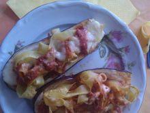 Bakłażan zapiekany z makaronem i sosem