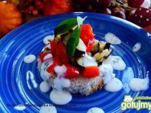 Bakłażanowa grzanka z sosem czosnkowym