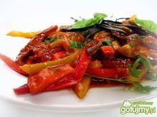 Bakłażany duszone z papryką i pomidorami