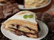 Bananowy tort naleśnikowy z toffi i czekoladą