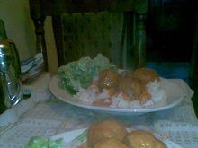 Bardzo dobre pulpety z sałatą i ryżem