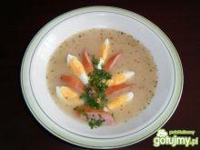 Barszcz biały z jajkiem i kiełbasą