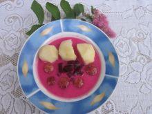 Barszcz czerwony z ziemniakami i klopsikami