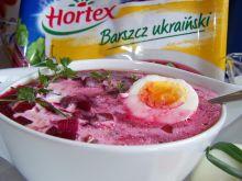 Barszcz ukraiński z kleksem kremówki